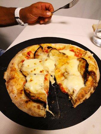 Ristorante Pizzeria Carnaby Street: Pizza parmigiana