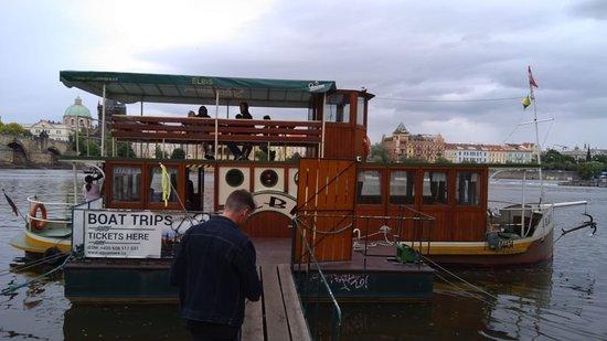 Crociera sul canale del Diavolo a Praga di 1 ora con cena: Paseo en barco por el Río Moldava, Praga, República Checa