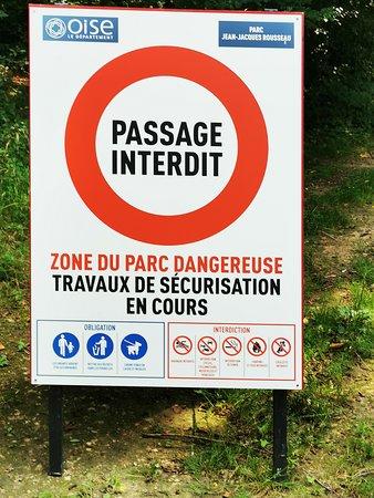 Parc Rousseau, vielfache Sperren