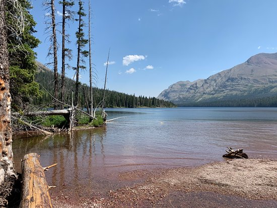 Two Medicine Lake : boat ride across