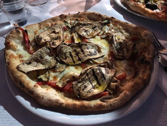 Pizza with grilled eggplants