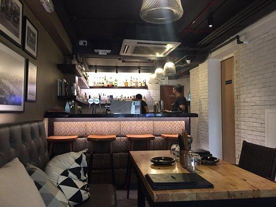 Interior - The Sampan Asian Kitchen & Bar Photo