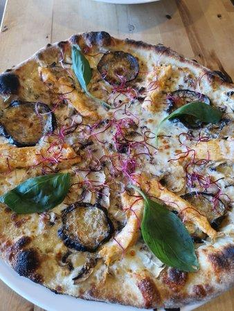 Pizza Mamita: Thai Chicken