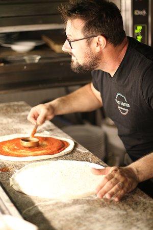 Pizza Mamita: Bastien à la production