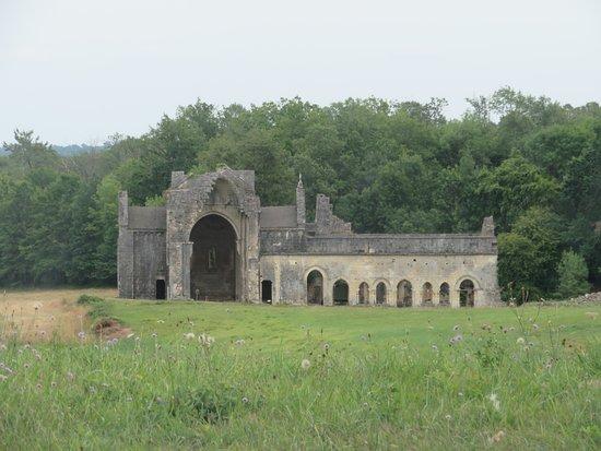 Abbaye de Boschaud: Vue d'ensemble.