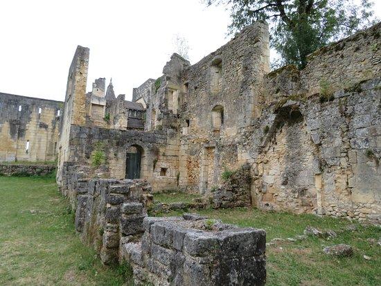 Abbaye de Boschaud: L'entrée.