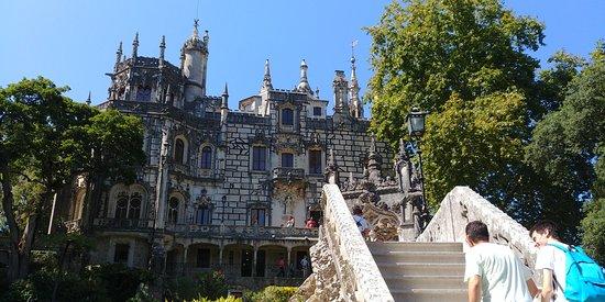 Excursion privée à travers la romantique Sintra, l'incroyable Cabo da Roca et Cascais : Quinta de Regaleria
