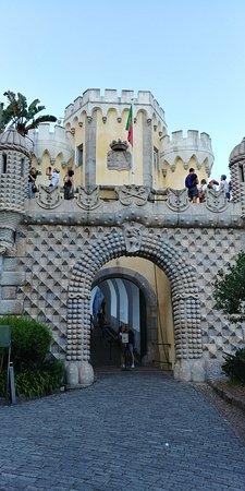 Excursion privée à travers la romantique Sintra, l'incroyable Cabo da Roca et Cascais : Palacio de Pena