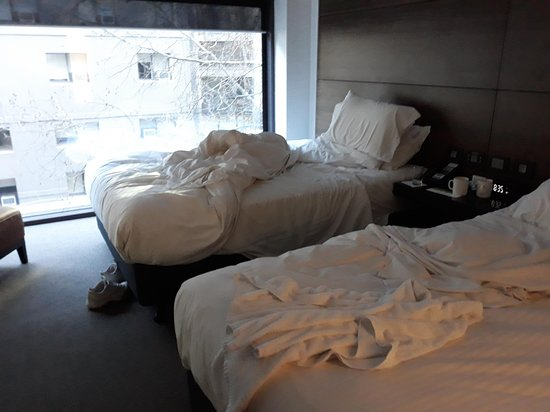 Holiday Inn Melbourne on Flinders : nice big picture windows and extremely comfortable beds