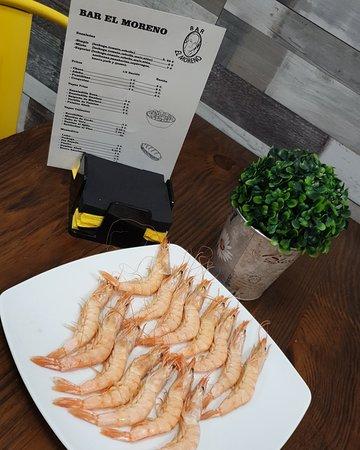 Lucena del Puerto, Spania: Algunos de nuestras tapas y nuestra hamburguesas XXL