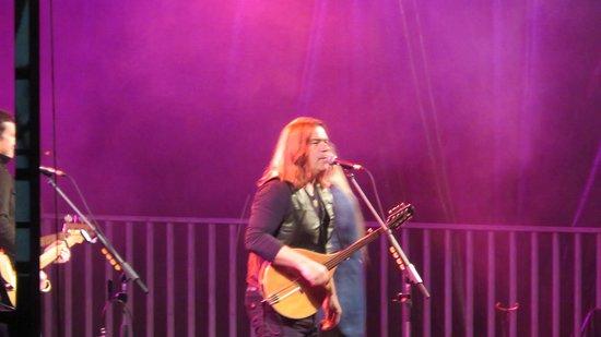 סנט פייר ומיקלון: Alan Doyle at Rock n' Rhum