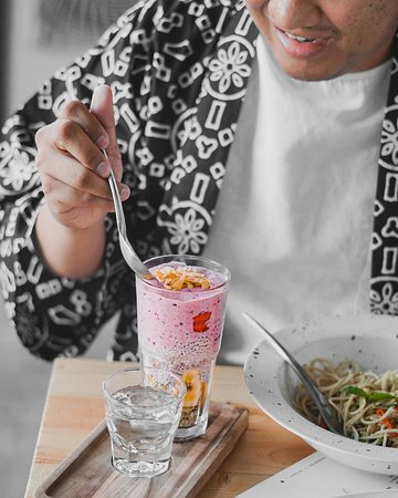 Craving for something healthy? Try one of our Smoothies Cup, which one is your favorite? . #tokomono #tokomonobali #balicafe #playboxbali #kutaeats ----- restaurant kuta