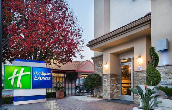 Holiday Inn Express Redwood City-Central: Exterior