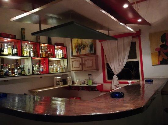 Nuova zona bar attrezzata per succhi e frullati naturali con frutta di stagione