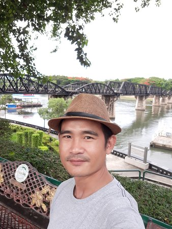 Taxi Suban On Tour: Invite friends to visit another beautiful place, Kanchanaburi. This is a bridge over the River Kwai.