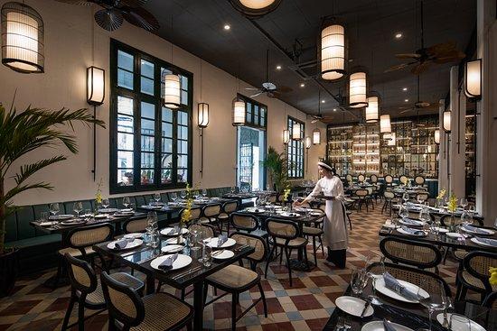Opera Garden Restaurant: main room 2