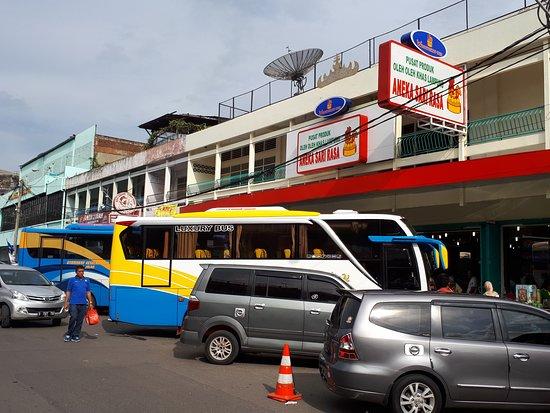 Bandar Lampung, Indonézia: Pusat Oleh - Oleh Terlengkap di Lampung