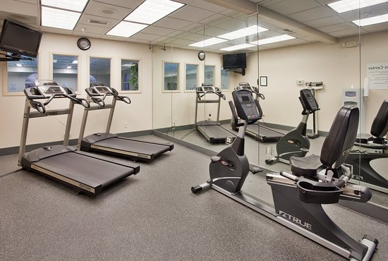 Holiday Inn Express and Suites Beatrice: Health club