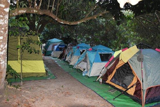 Siĕm Réabin maakunta, Kambodža: Camping Tents at Kulen Mountain, Siem Reap, Cambodia.