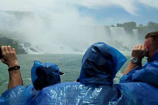 尼亚加拉大瀑布一日游:美国和加拿大边界的豪华观光旅行
