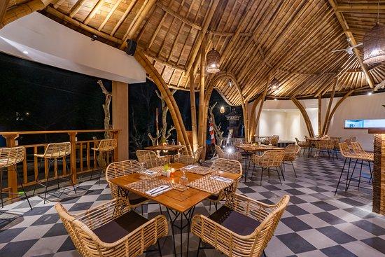 Wanara Spice: Dining Area