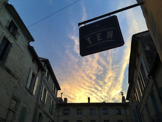 Gard, France: Uzès, 1er Duché de France
