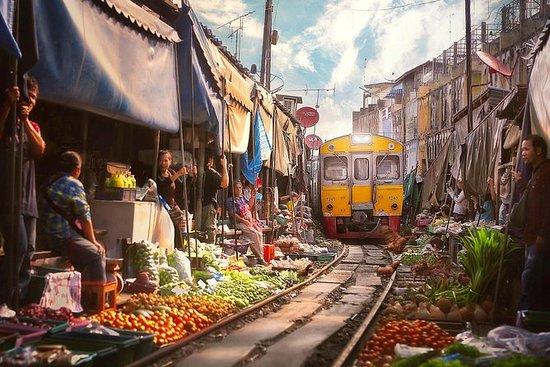 Mercado de trenes de Maeklong y...