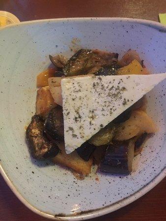 Vegetarisches Gericht, optional mit Fetakäse