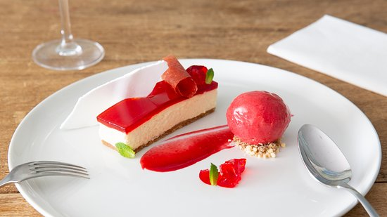 Dining at The New Inn: Delicious desserts at the New Inn