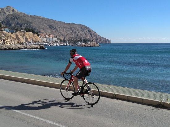 Allure Bike Rental: Near Altea en Calpe a ride along the coast is so relaxing!