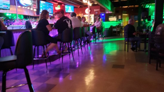Twin Bridges Bar & Grill