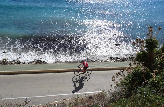 Allure Bike Rental: Stunning views and very good roads with little traffic. That´s the Costa Blanca