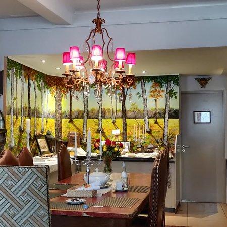 Bigonville, Luxembourg: Restaurant la Galerie, cuisine par le patron, cadre familial et jovial.