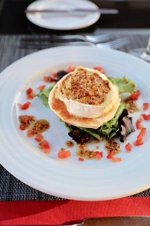 Warm whole grain & honey baked goat cheese salad. With a chilled white wine of course...