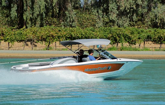 Galt, Kalifornia: Partnering with Mastercraft we have the newest boats with the latest zero off