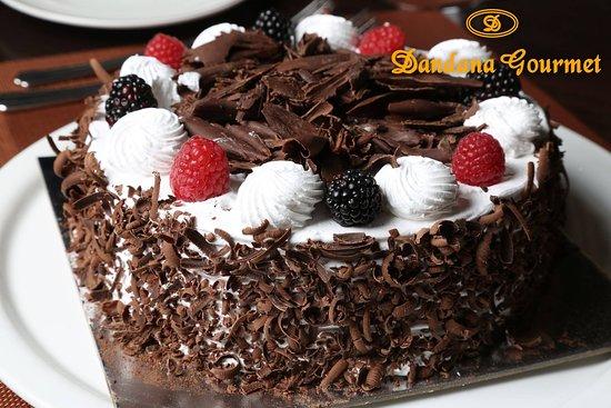 Dandana Gourmet Restaurant: Dandana cakes