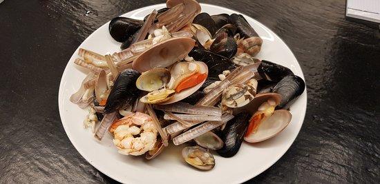 Hosteria Veneta: Sautè di Molluschi e Crostacei(fasolari, vongole, cozze, cannolicchi, scampi, gamberi)