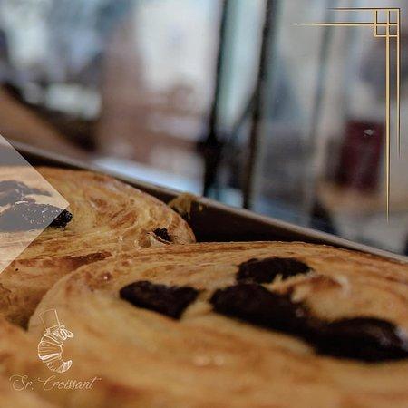 Pão de Chocolate, produção própria!  OBS: Todos os nossos produtos podem conter traços de glúten e lactose.
