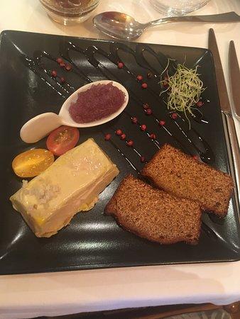 financier de foie gras sur son pain d'épices maison