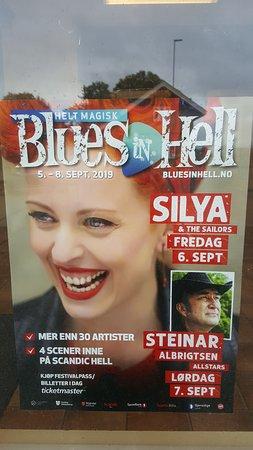 เฮลล์, นอร์เวย์: getting the blues in Hell.