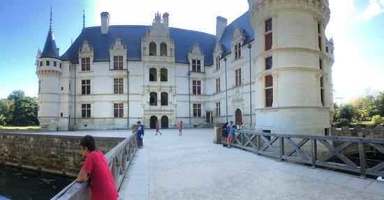 Valokuva: Loire Valley Chateau d'Azay le Rideau Skip the Line Entrance Ticket