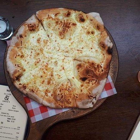Goose & Gander garlic bread