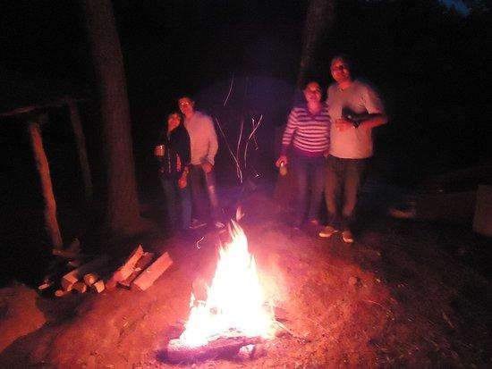 Cascadas Tuliman: Al hospedarte, ten la seguridad de disfrutar una gran velada a lado de la fogata...
