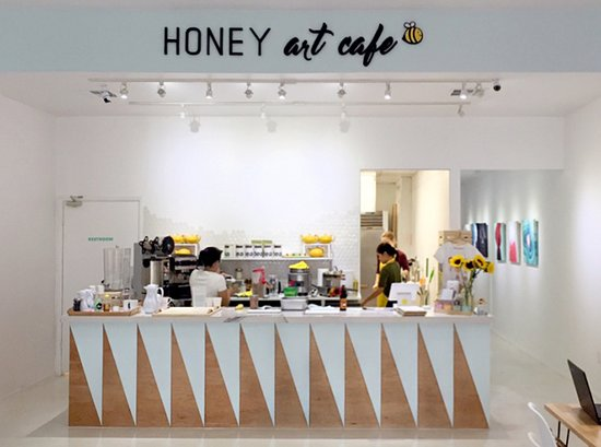 Honey Art Cafe: Cute local cafe with lattes, bubble tea, and desserts.