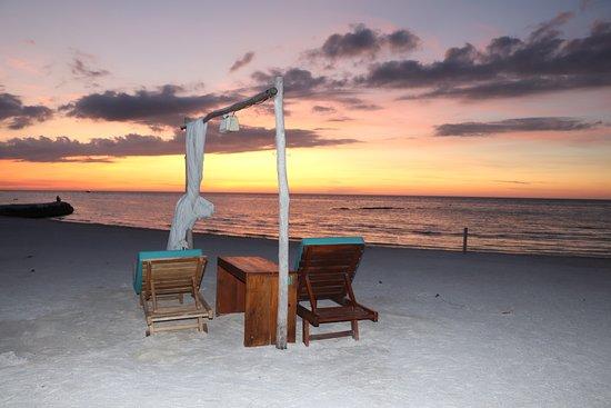 El Velero Beach Club: Quédate a ver el atardecer en Velero