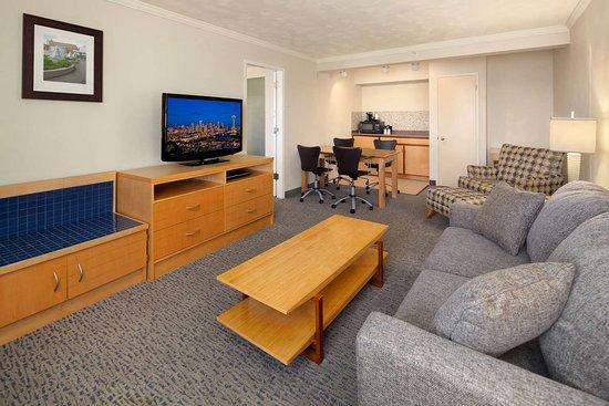 2 Queen 2 room Suite Living Room