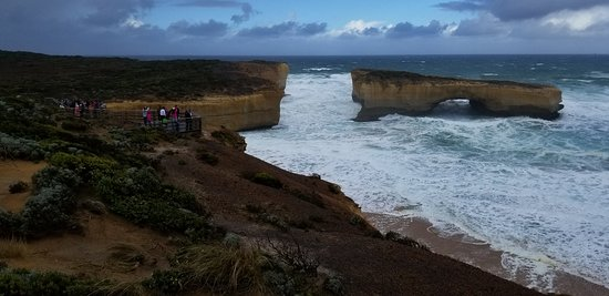 Another great view of the London Bridge, on the Great Ocean Road, Victoria (AUS)