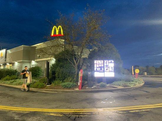 Peotone, IL: single lane drive-thru at McDonald's