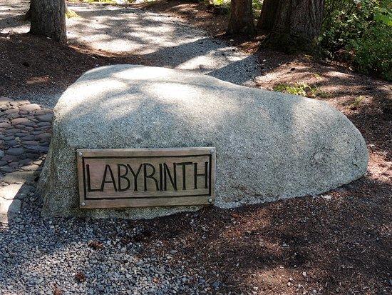 Hall's Hill Labyrinth: At start