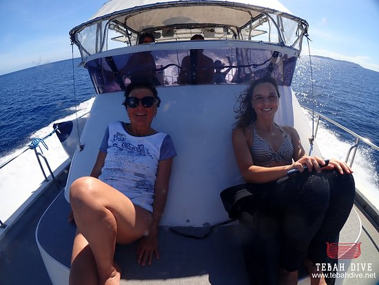 Tebah Dive: Onward to the Kerama Island on board of the Legend with a beautiful weather, perfect for diving !
